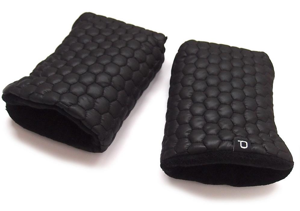 kliknutít zobrazíte maximální velikost obrázku rukavice na kočárek Big Comb Black