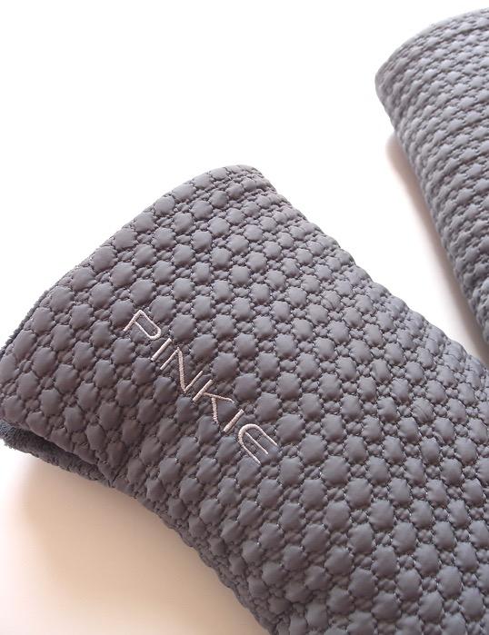 kliknutít zobrazíte maximální velikost obrázku rukavice na kočárek Small Grey Comb