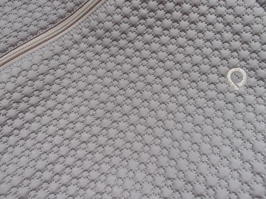 kliknutít zobrazíte maximální velikost obrázku batoh Bugee Small Grey Comb
