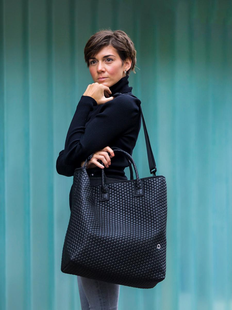 kliknutít zobrazíte maximální velikost obrázku univerzální taška Black Comb