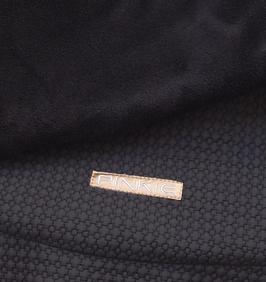 kliknutít zobrazíte maximální velikost obrázku zateplená stahovací deka Small Black Comb