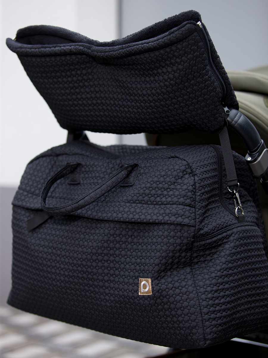 kliknutít zobrazíte maximální velikost obrázku cestovní taška Small Black Comb
