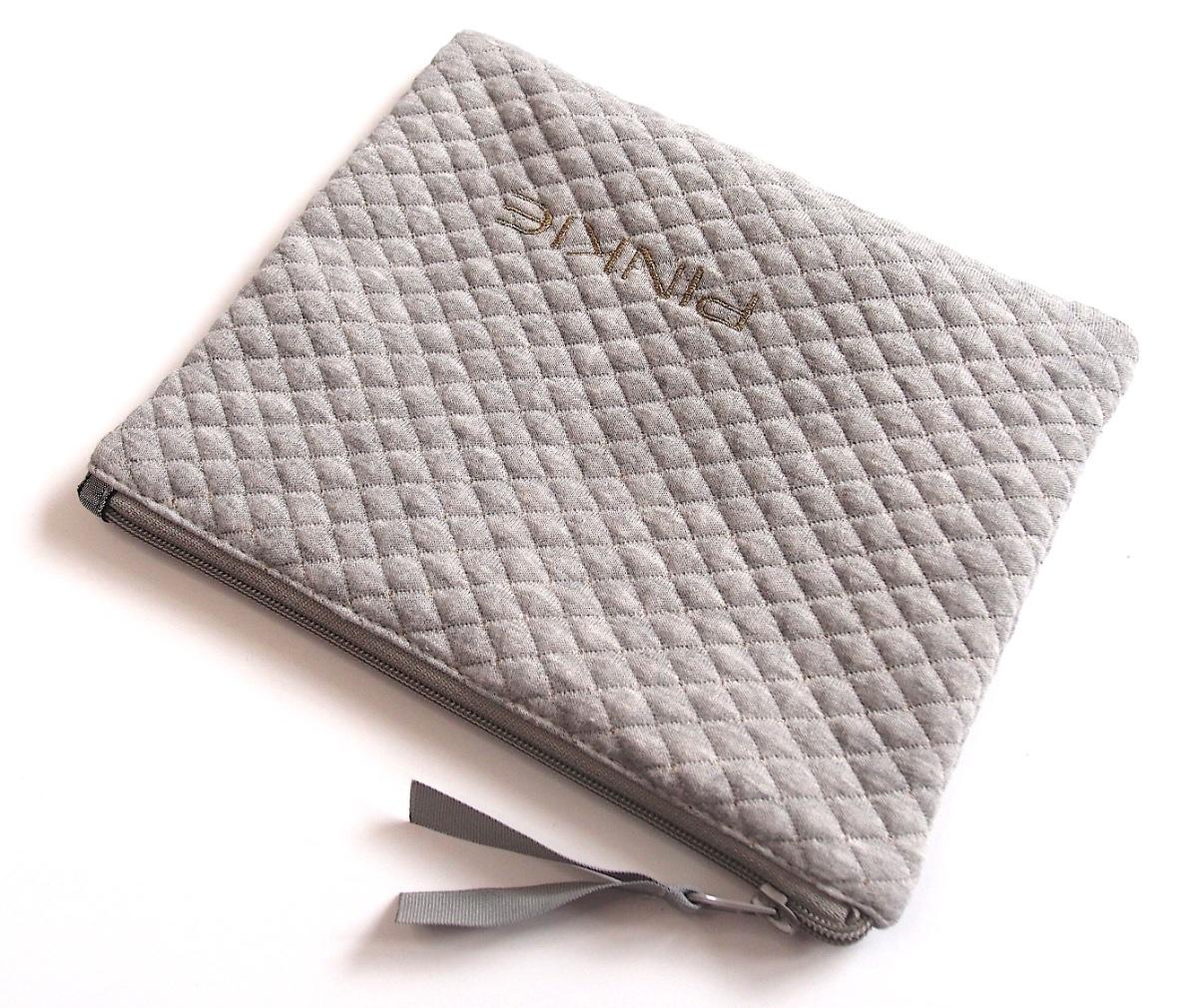 kliknutít zobrazíte maximální velikost obrázku kosmetická taštička Diamond Light Grey