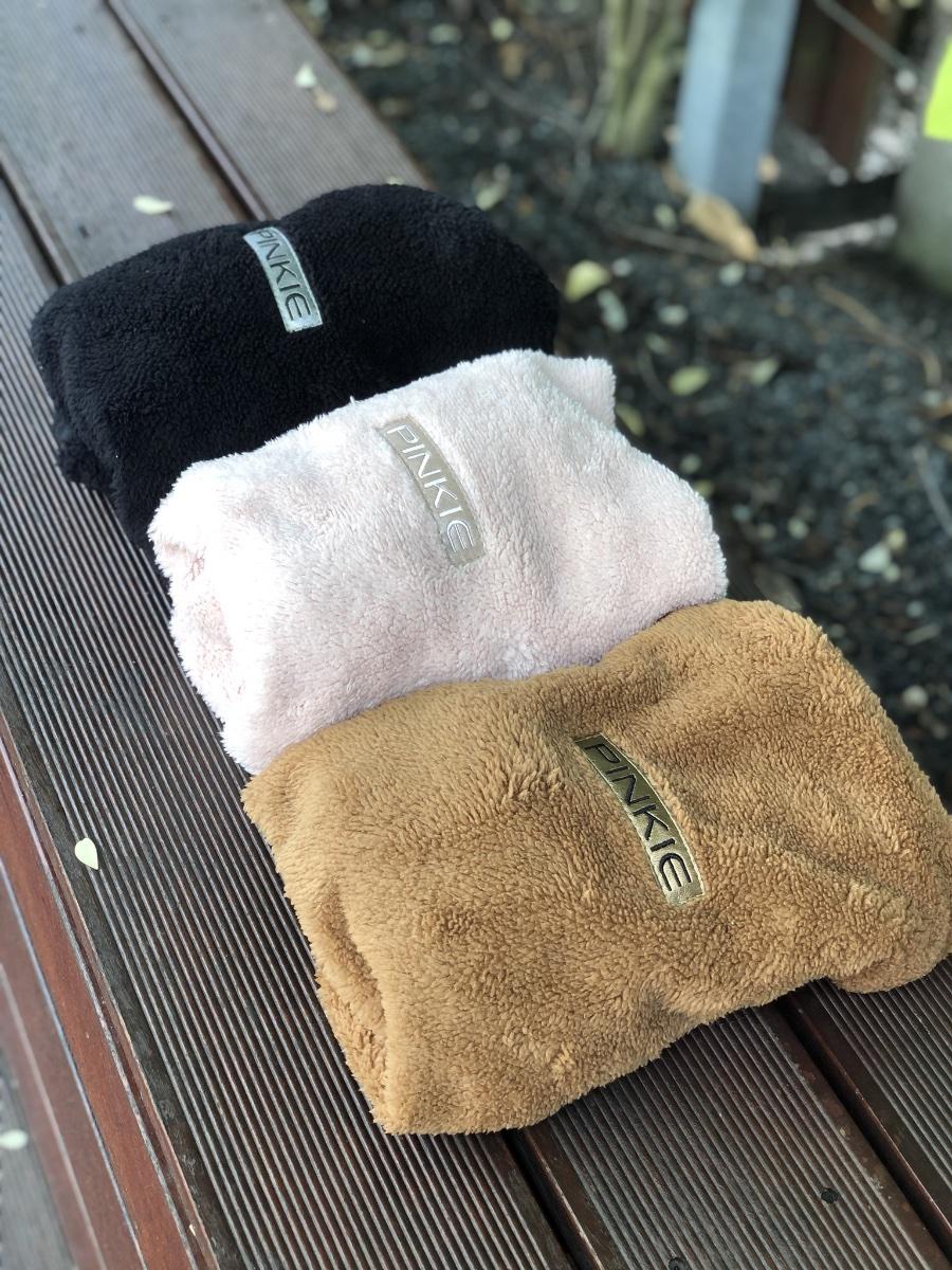 kliknutít zobrazíte maximální velikost obrázku deka se stahováním Pinkie Soft Black
