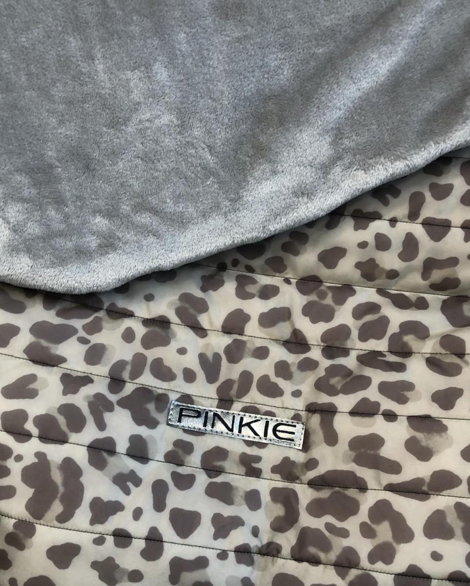 kliknutít zobrazíte maximální velikost obrázku zateplená stahovací deka Animal Grey