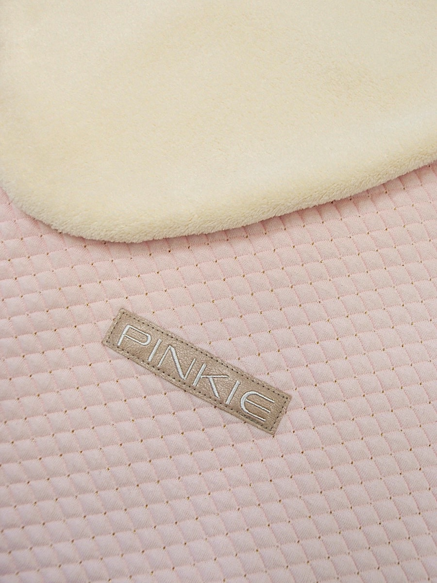 kliknutít zobrazíte maximální velikost obrázku deka se stahováním Diamond Light Pink II.